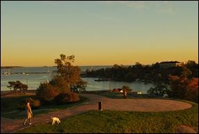 Парк в Хельсинки, залив