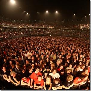 Толпа народу - это могли бы быть посетители вашего сайта ;)